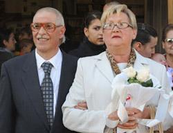 El párroco Alessandro Santoro casó en Florencia, norte de Italia, a un transexual que nació hombre y luego se hizo mujer.