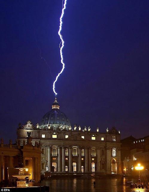 Rayo en el Vaticano 2