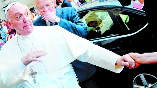 Francisco-echo-arzobispos-quiebra-diocesis_IECIMA20130801_0027_7