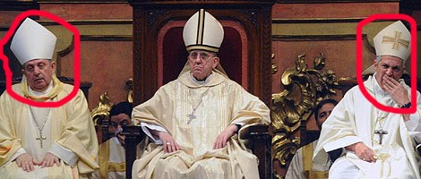 bergoglio y el obispo que se apolillo copia