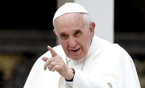 Echando Bergoglio
