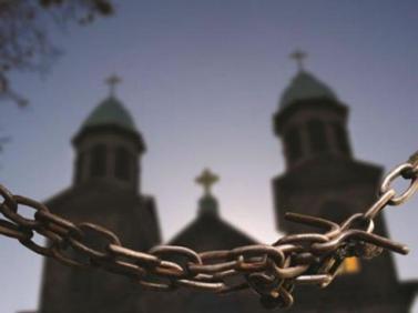 cristofobia-igreja-corrente