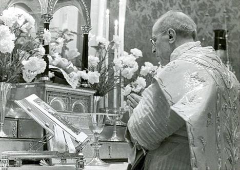 CATHOLICVS-Misa-Pio-XII-Navidad-Pius-XII-Mass-Christmas