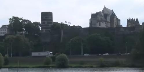 castillo-13